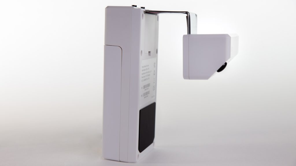 Smart home security, smart cameras, smart security, door cameras. The construction of the DoorCam makes it feasible as a solution for non-invasive security, without any installation needed.