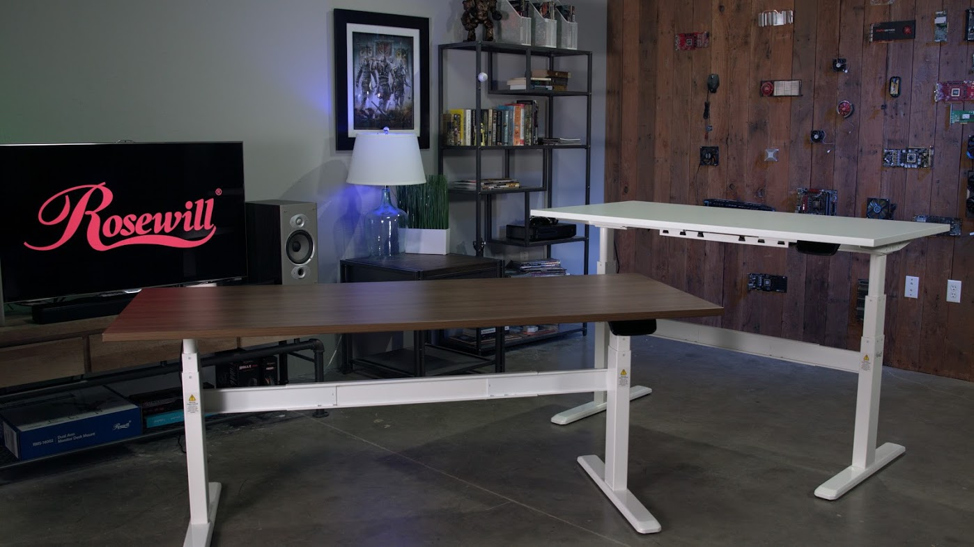 Why Standing Desks Should Be In Every >> Choosing A Standing Desk For College Students Newegg Insider