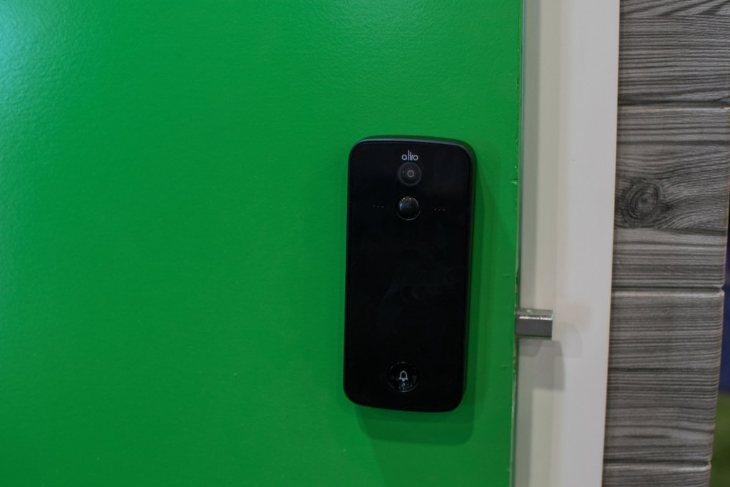 The Altro smart lock combines the best features of a smart doorbell and a smart lock for an innovative take on Smart Home security that is the first of its kind.