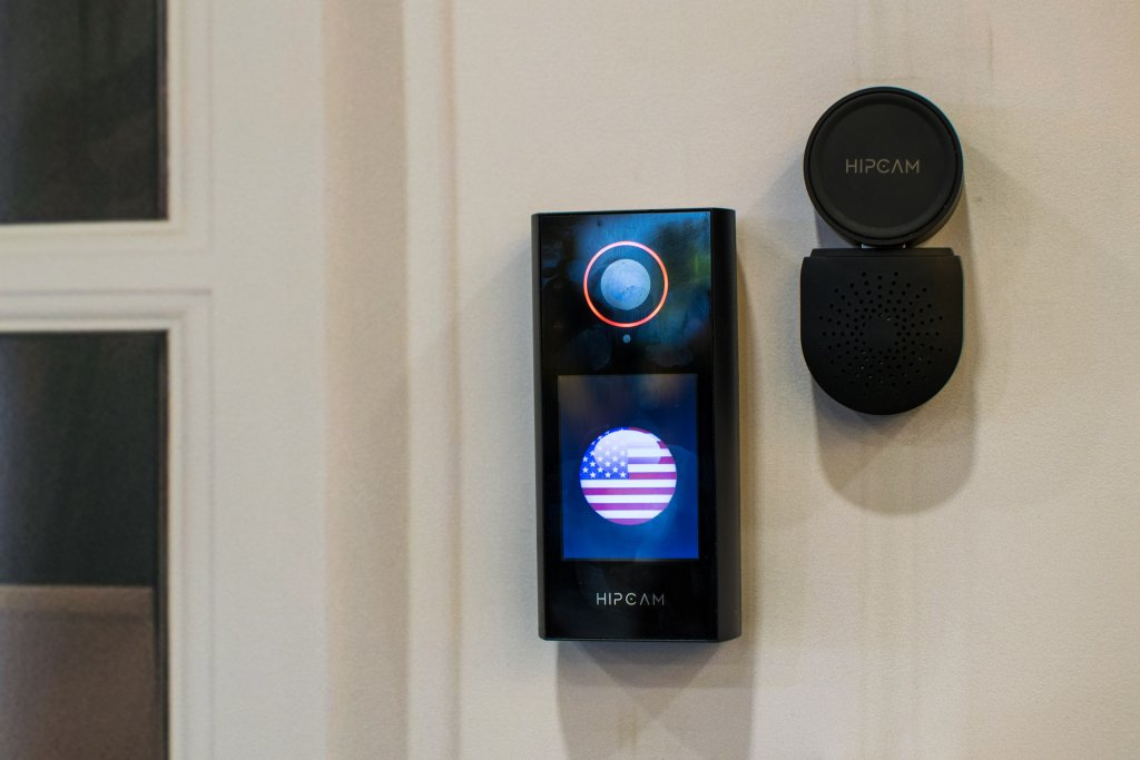 Hipcam's smart doorbell allows users to video chat with two-way audio or video communication using a secondary Hipcam indoor camera, with a remote USB chime speaker.