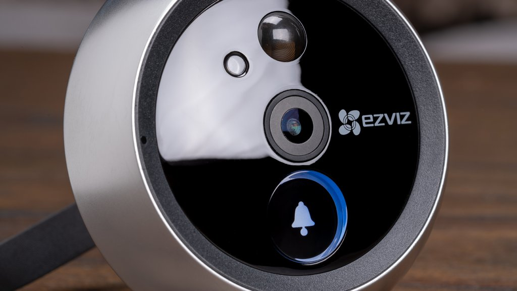 While the smart doorbell space is saturated, very few brands are making the smart peephole viewers like EZVIZ.