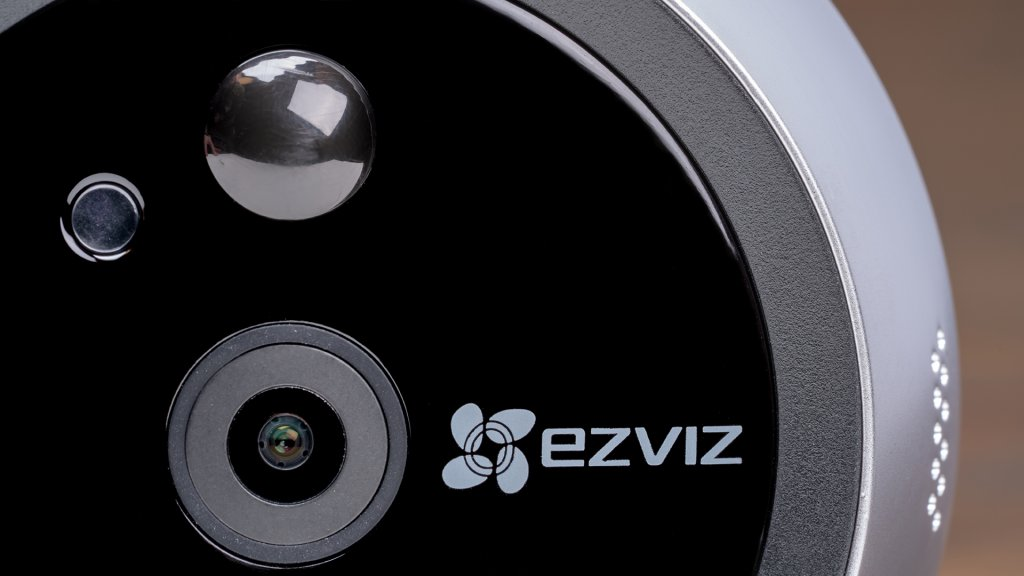 With a 124° FOV and night vision capabilities, the DP1 smart peephole from EZVIZ allows for remote viewing of visitors from a greater distance.