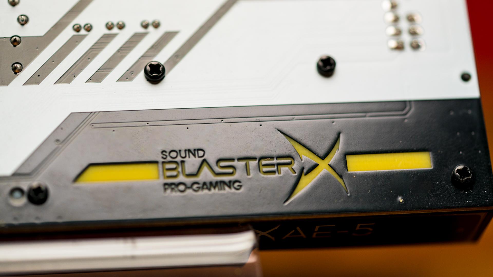 Soundblaster X-10 sound card