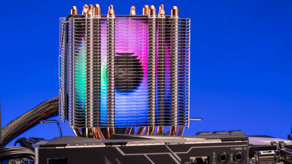 The darkFlash L6 CPU Cooler sports a beautiful RGB-lit fan and a sic-copper-pipe array.