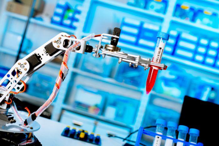 Blood analysis robot